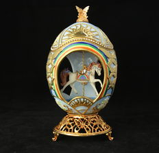 Franklin Mint - Light blue Faberge Carousel Egg