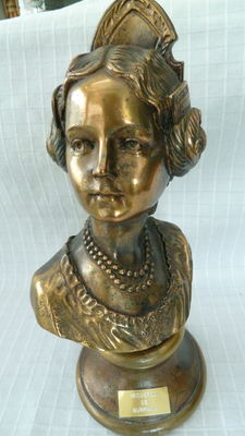 figurine by Recuerdo De Burriana, bust of a lady in traditional costume