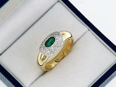 18 kt Gold Ring with Emerald and Diamonds - Size: 56 - easy to adjust