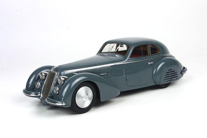 BBR - 1/18 scale - Alfa Romeo 8C 2900 B long - dark grey