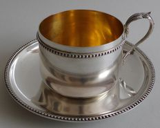 Lovely silver cup and saucer for hot cocoa, in its own case. Silver gilt interior. Minerva 1st grade hallmark and mark of silversmith Victor Boivin.   Late 19th, early 20th century.