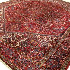 Heriz - 330 x 251 cm - large, cool, Persian carpet in beautiful condition.