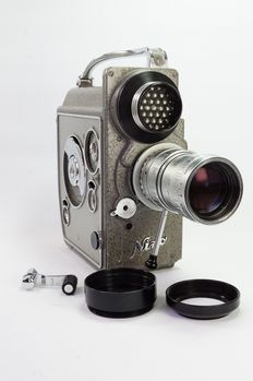 Nizo Heliomatic 8 Focovario film camera with Angenieux f/1.4 lens