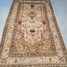Very finely knotted silk Kayseri Persian Kayseri rug, 900,000 knots per m², collector's item