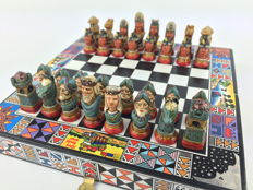 Terracotta chess - Indigenous vs. Spanish conquistadors - Colombia, 2nd half 20th century