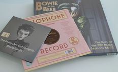 "Lot David Bowie ‎– Bowie At The Beeb 4xLP Vinyl Box Set / Sue (Or In A Season Of Crime) 10"" / The Stars (Are Out Tonight) 7"" White Vinyl"