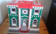 MOC - Town house in colonial style