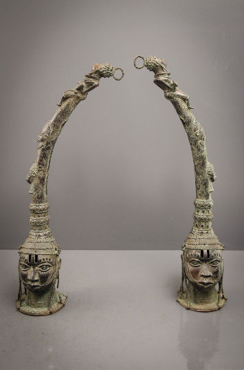 Couple of heads of a Benin altar, Bini Edo - BENIN - Nigeria