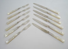 6 silver fruit place settings with Nacre hilt, London 1913