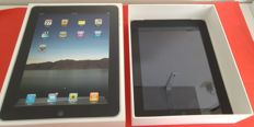 Apple iPad 1, 32GB with 3G in Orginal box with charger and adapter!