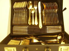 Cutlery set SBS Solingen 23/24 carat hard gold plated, 68-part for 11-12 persons in the original leather case with combination lock.
