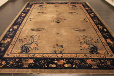 Wonderful antique China Art Deco oriental carpet, made in China 280 x 360cm Peking