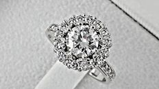 1.94 ct round diamond engagement halo ring in 14 kt white gold - size 7