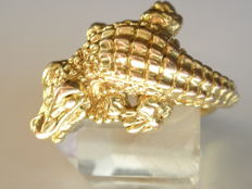 585 gold crocodile - ring size 64