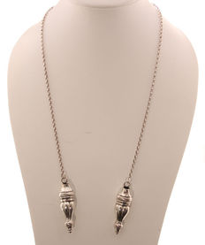 Silver, Jasseron necklace with knitting needles.