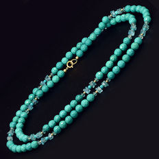 18 kt/750 yellow gold – turquoise and apatite necklace – length: 73 cm