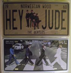 'Abbey Road' and 'Hey Jude' Beatles wall plaques ( 15 cm x 30 cm ).