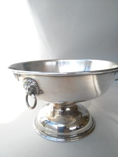Beautiful pedestal bowl with lion heads - Georgian style - by VINERS of Sheffield - late 20th century