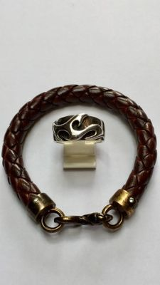 Leather bracelet with silver clasp - length approx. 19 cm - with solid silver ring - size 19¼.