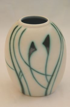 Flora Gouda - Liane hand-painted decorated vase