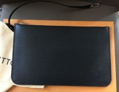 Louis Vuitton – EPI Leather Neverfull Clutch