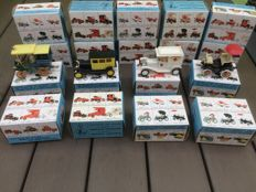 Guisval - Scale 1/43 - Lot with 18 old-timer models. Citroen, Ford, Packard and Peugeot
