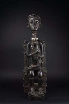 Maternity figure mother and child on a  Chair-ASANTE-Ghana
