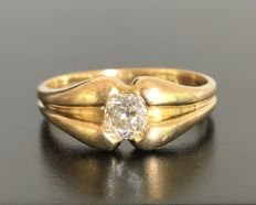 Bangle ring 19th century in 18 kt yellow gold with a solitaire diamond of 0.6 ct (H/VS)