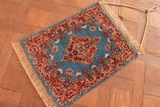 Magnificent hand-knotted Persian carpet, Kerman Lavar, made in Iran, very good condition, 55 x 70 cm