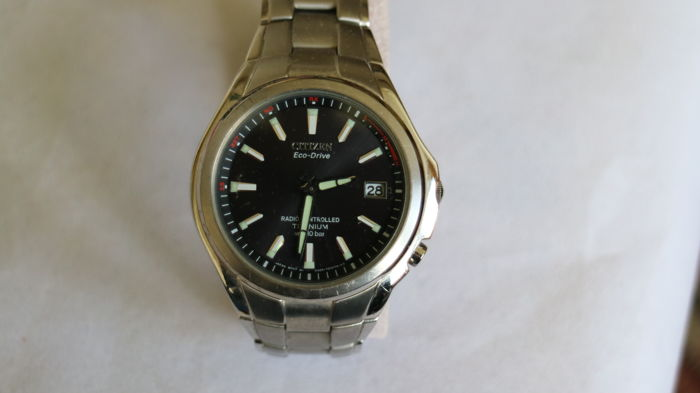 citizen watches second hand watches buy and sell in the uk and citizen ecodrive titanium radio controlled wristwatch