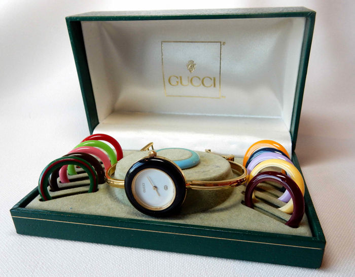 951075f5bad Gucci AUTHENTIC 1980s lady s 11 12 bangle watch with interchangeable bezel  in original box