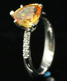 18K Sapphire and Diamond ring, 2.30 ct with Official certificate. -Ring size 54/17.20 mm- NO RESERVE