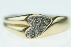 14 kt gold fantasy ring, heart shaped, set with diamonds - ring size 18.5/19