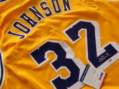 Magic Johnson -  hand singed by Magic Johnson jersey + COA psa/dna