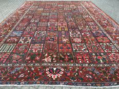 ANTIQUE BACHTIAR - Persian - oversized 16 square metres - approx. 467 x 338 cm - around 1920/1930
