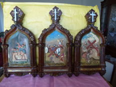Catholic devotional item - plaster - 3 hand-painted Stations of the Cross - 6th Station: Jesus wiped by Veronica - 7th Station: Jesus falls the second time under the Cross -14th: Jesus placed in the Tomb - Italy - late 19th century.