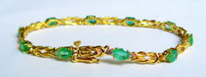 Yellow gold bracelet with 5.06 ct natural emerald and 0.80 ct diamonds - bracelet length: 19 cm - no reserve price
