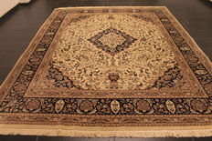 A fine Persian palace carpet, China Isfahan cork wool with a silky shine, end of the 20th century, 250 x 310 cm, in very good condition