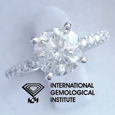 IGI 1.98 ct total, Round Brilliant Cut Diamond Engagement Ring ***Free Resize***