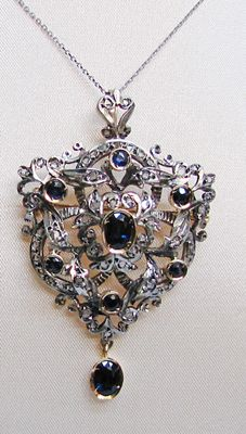 Original brooch/ pendant from the early 1900s