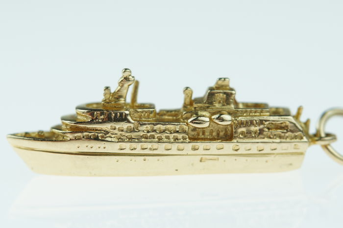 14 kt gold miniature pendant, MS Hanseatic, cruise ship, dimensions: approx. 32 mm