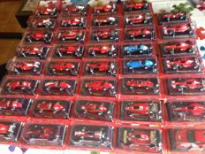 Ferrari models - Scale 1/43 - lot with 40 models: 40 x Ferrari cars
