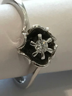18 kt white gold ring with central 0.09 ct diamond - Italian size 17