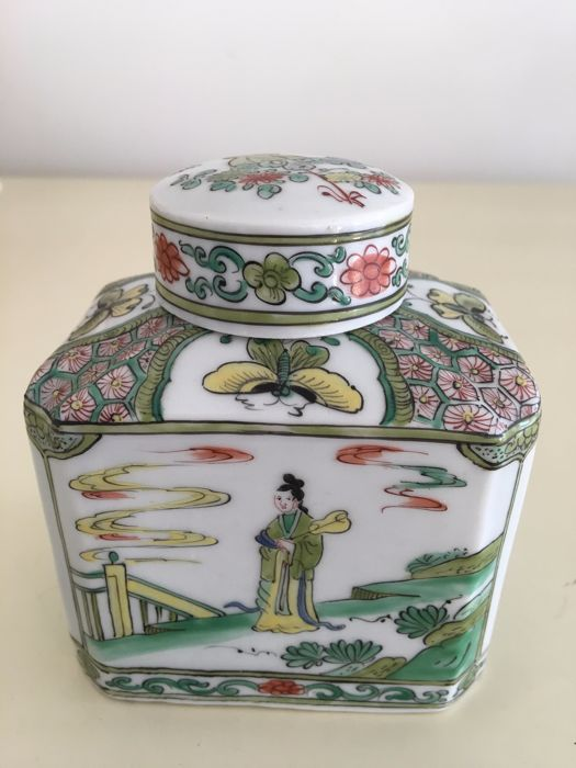 Samson - Famille Verte tea caddy including cap, ca 1900