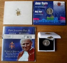 """Vatican and Congo - Coin sets 500, 1000 and 2000 Lire """"World Peace, Holy year, Year set"""" 1979/2004 (4 different) - silver"""
