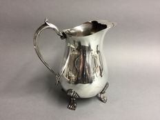 Silver plated water jug on claw feet, Leonard Plate, England, mid 20th century
