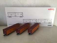 "Märklin H0 -  45680 -  3 USA refrigerated trucks ""Pacific Fruit Express"""