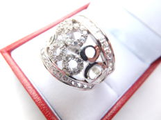 18 kt white gold women;s ringset with zirconias, ring size 18.5