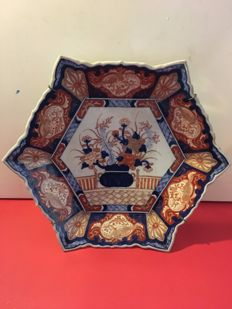 Large, antique, Imari porcelain plate - Japan - mid 19th century.
