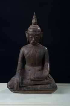 Largue wooden Buddha (40 cm) – Northern Thailand / Burma – 18th century